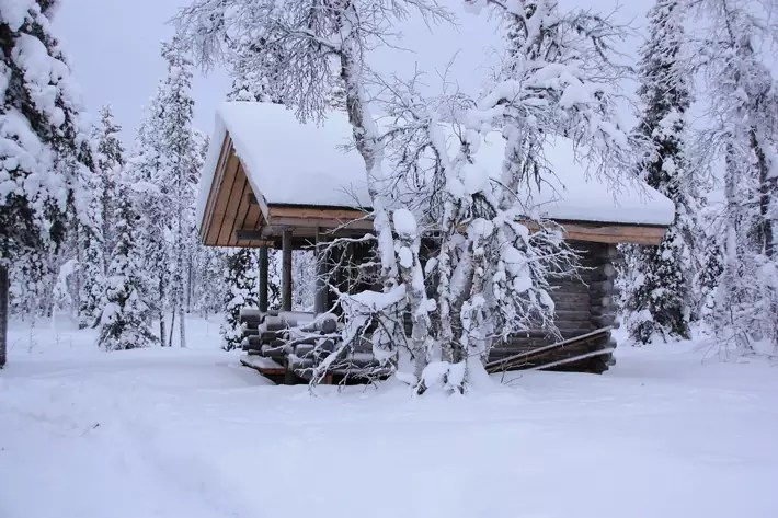 log-cabin-snow,-Things-to-Do-in-Lapland,-where-is-lapland
