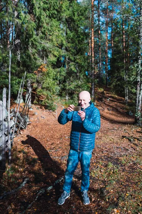pekka taking pictures, green window, Nuuksio National Park