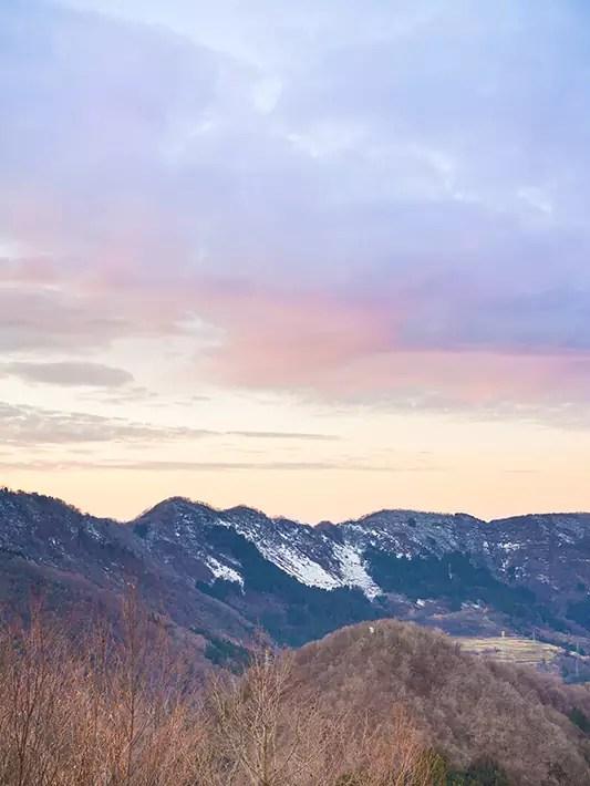 winter-hiking-sunset-in-japan