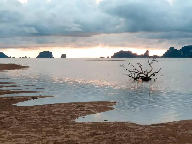koh klang thailand krabi landscape panorama shore seaside water