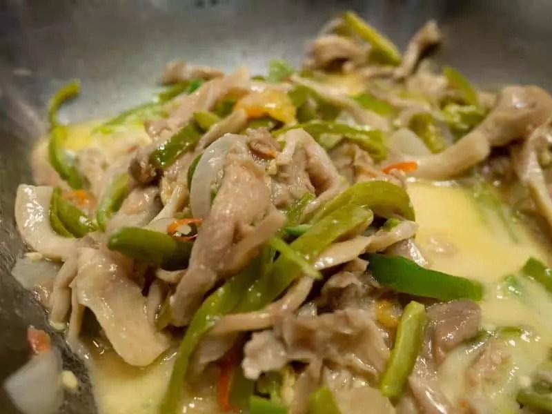 Shamu-datshi-what-to-eat-in-bhutan