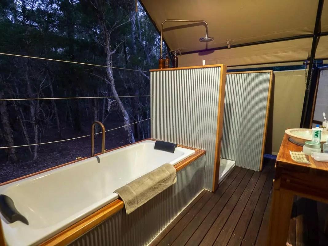 Paperbark-Camp-Jervis-Bay-Australia-Review-bathroom
