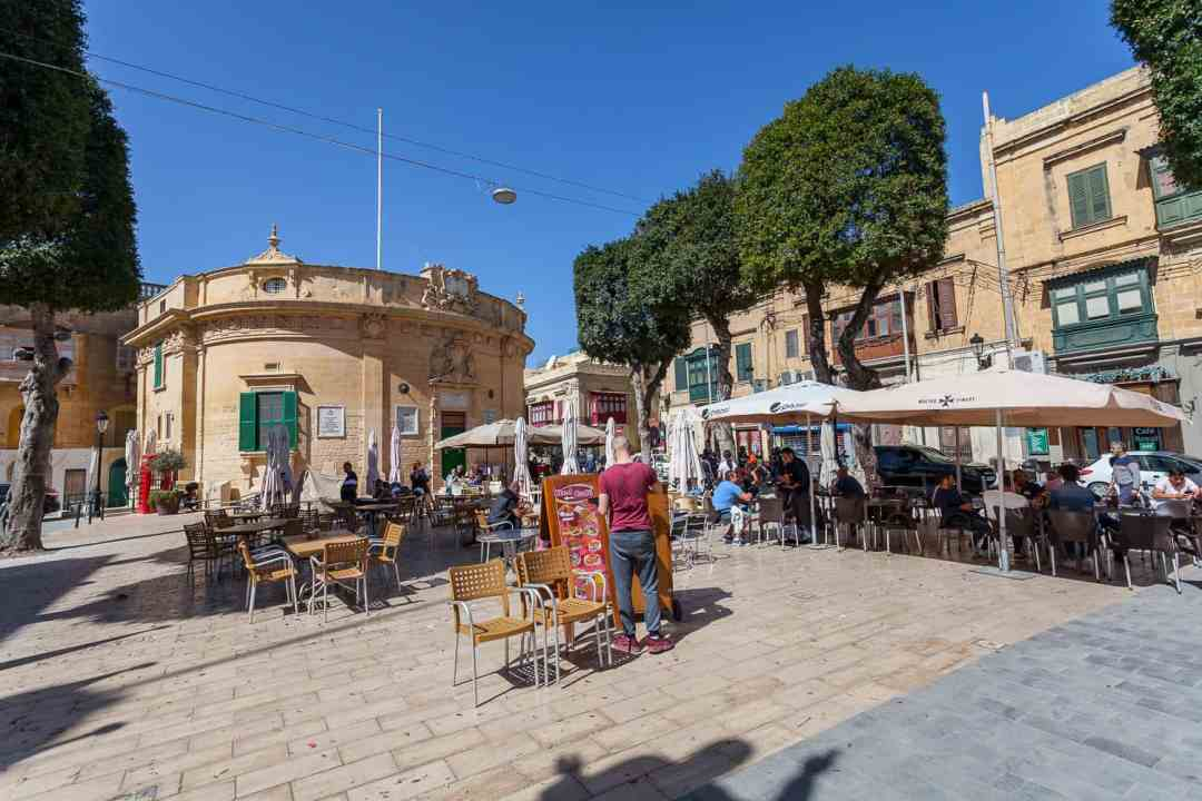Victoria Main Piazza, where to stay in malta, best places to stay in malta