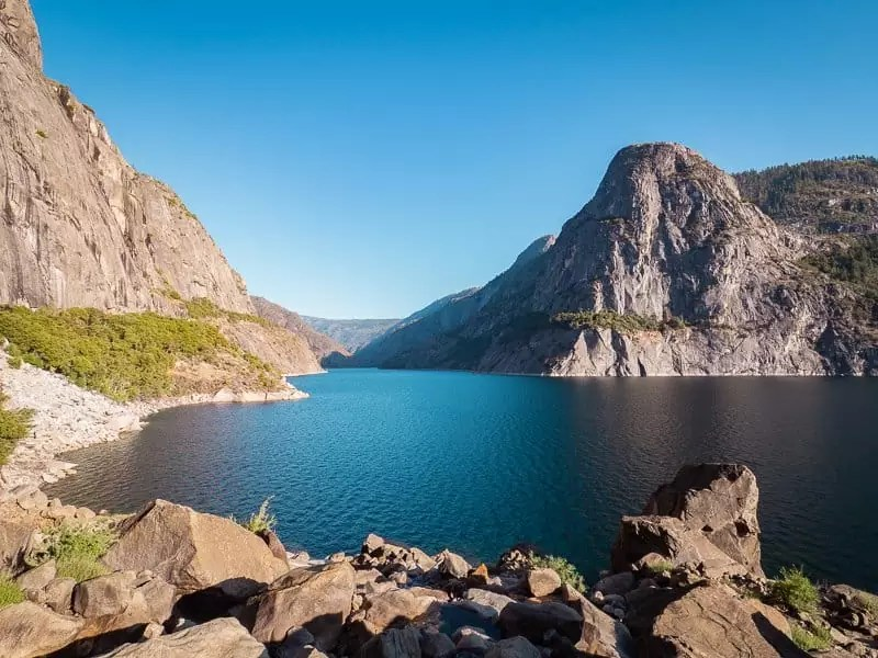hetch-hetchy-reservoir-viewpoint-things-to-do-around-Yosemite-National-Park-Tuolumne-California
