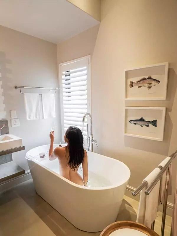 Old-Rectory-Hotel-bathroom-bathtub-with-a-view-Plettenberg-Bay-South-Africa