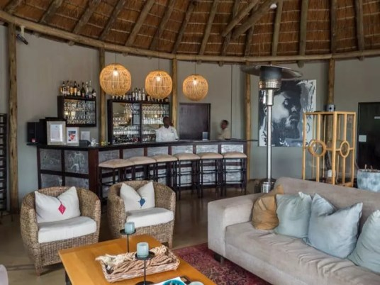 bar lounge, Thanda-Safari-South-Africa
