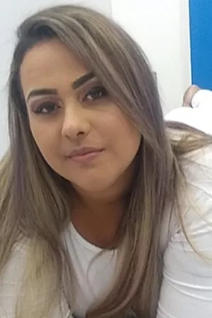 Terapeutas Niterói - Larissa Terapeuta