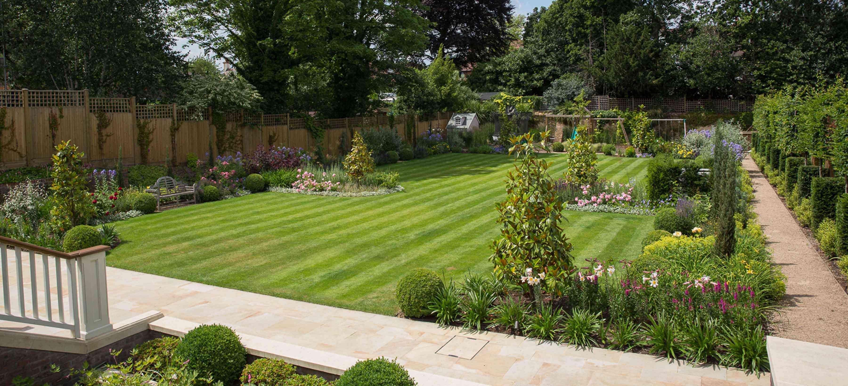 Wimbledon Large Luxury Garden - Belderbos on Big Backyard Landscaping Ideas id=16963