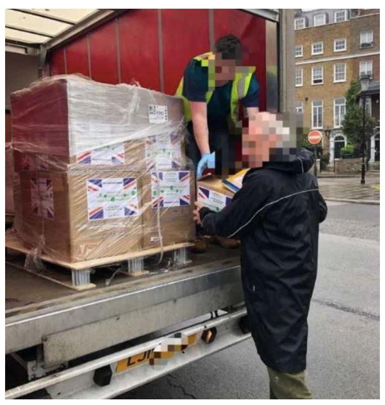 Donaciones que llegaban en camiones.