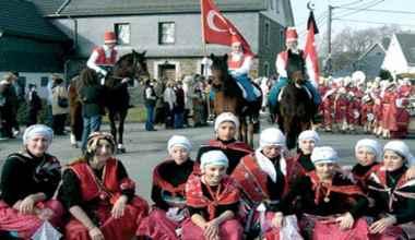 Belçika'nın Türk Köyü'nde muhteşem festival