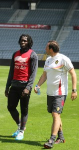 Romelu Lukaku chats to Marc Wilmots and the coach is happy. (copyright john Chapman)