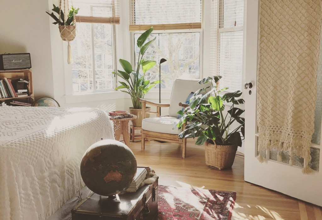 Declutter a room