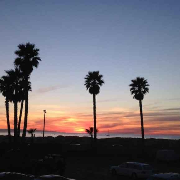 sunset-on-ventura-beach