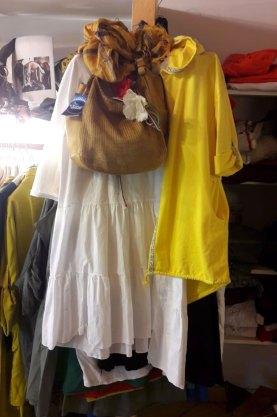 Bunte Damenkleider aus Italien in Zittau