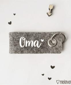 Sleutelhanger || Oma || Moederdag cadeau - Cadeau voor mama - Sleutelhanger - Gepersonaliseerd cadeau - Naam cadeau