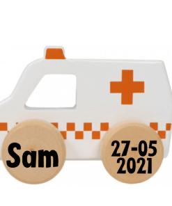 Tryco Houten Ambulance Speelgoed Auto Product omschrijving Tááaatuu, met deze houten speelgoed ambulance van Tryco zal je kleine flink rond racen! De auto is gemaakt van stevig hout en is gemakkelijk vast te pakken voor kleine handjes. Dankzij de stevige wieltjes staat de ambulance stabiel en kan deze tegen een stootje. De auto heeft neutrale moderne kleuren, waardoor hij mooi in de woonkamer of speelkamer staat! Geschikt vanaf 10 maanden. Eigenschappen: Tryco Speelgoed Auto Design: ambulance Materiaal: hout Makkelijk vastpakken voor kleine handjes Neutrale, moderne kleuren (wit met rood) Afmetingen: 11 x 7 x 5,5 cm Geschikt vanaf 10 maanden