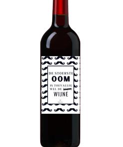 Wijn Wijn etiket Stoerste Oom Ben jij op zoek naar een leuk cadeautje voor een oom? Geef deze gepersonaliseerde wijn cadeau Ook te bestellen als alleen een etiket, zodat je zelf een wijntje uit zoeken kan.