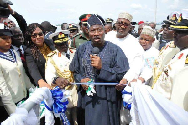 PIC. 8. INAUGURATION OF 4 NAVAL WARSHIPS IN LAGOS 600x398 Pres. Jonathan Inaugurates 4 Nigerian Navy Ships | Promises to Conquer Boko Haram