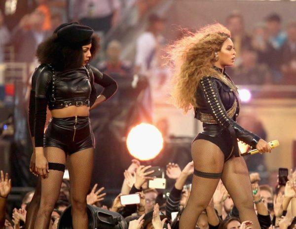 Super-Bowl-50-Beyonce-Coldplay-Mark-Ronson-February-2016-BellaNaija0015