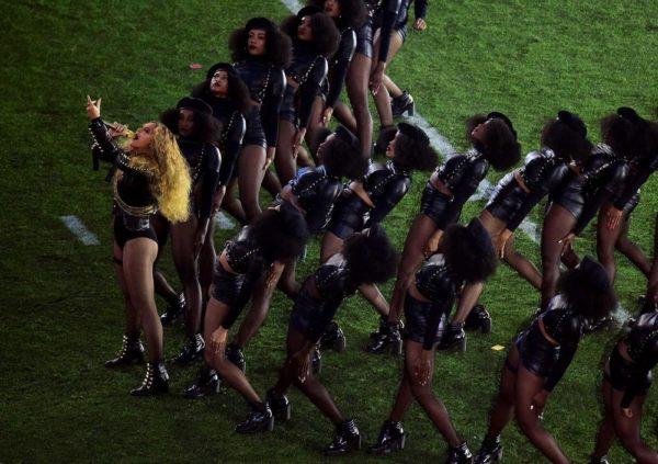 Super-Bowl-50-Beyonce-Coldplay-Mark-Ronson-February-2016-BellaNaija0020