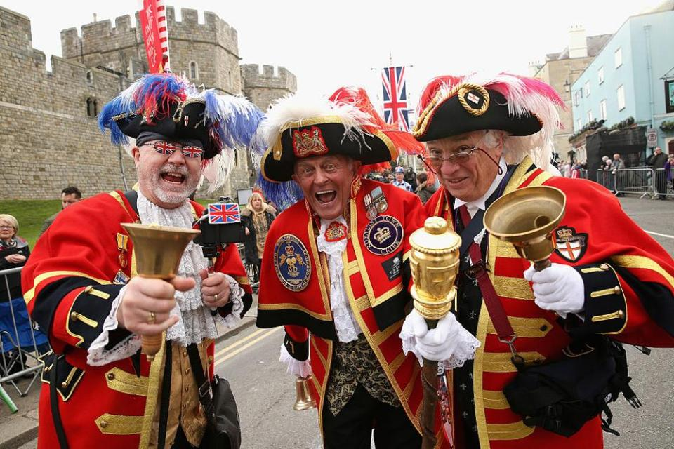 WINDSOR, ENGLAND - APRIL 21: The 'Three Criers' Tony Appleton, Steve Clow and Peter Baker prepare for the Queen's 90th Birthday Walkabout on April 21, 2016 in Windsor, England. Today is Queen Elizabeth II's 90th Birthday. The Queen and Duke of Edinburgh will be carrying out engagements in Windsor. (Photo by Chris Jackson/Getty Images)