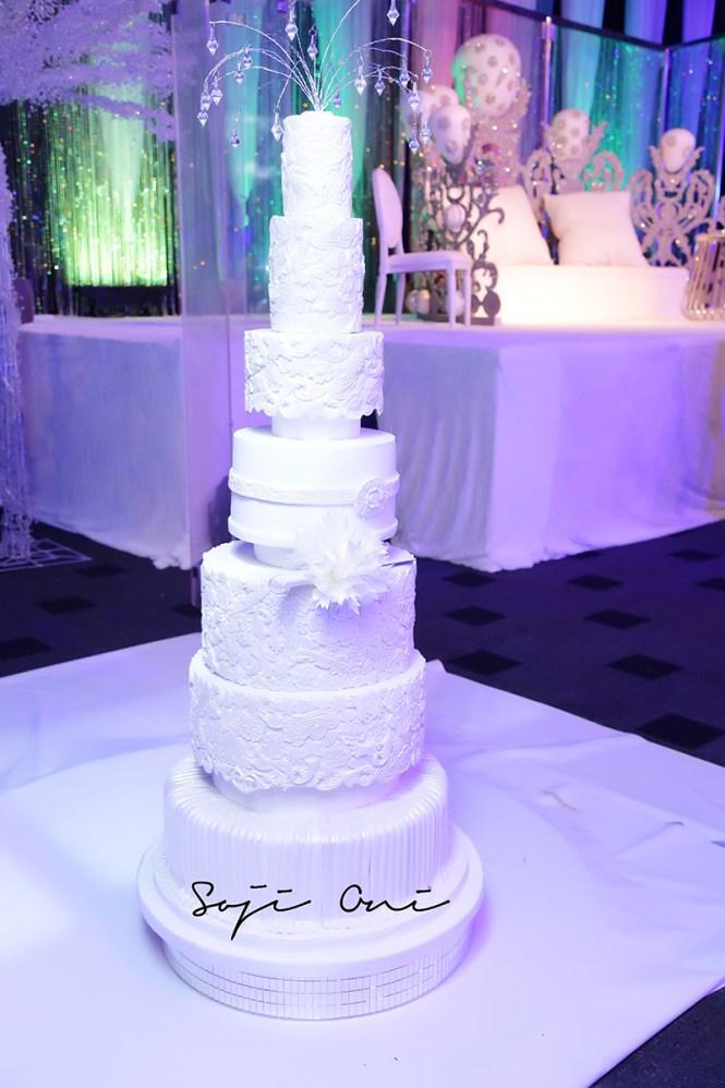 Dr Sid And Simi Osomo 39 S White Wedding Cake