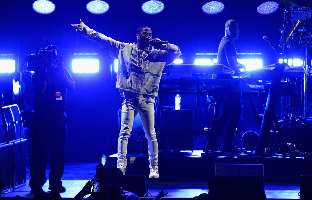 CLEVELAND, OH - NOVEMBER 04: Big Sean performs on stage during a Get Out The Vote concert in support of Hillary Clinton at Wolstein Center in Cleveland, Ohio on November 4, 2016 in Cleveland, Ohio. (Photo by Duane Prokop/Getty Images)