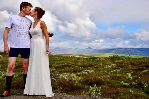 Groom Proceeds with Wedding in T-Shirt and Shorts after Airline Loses his Luggage