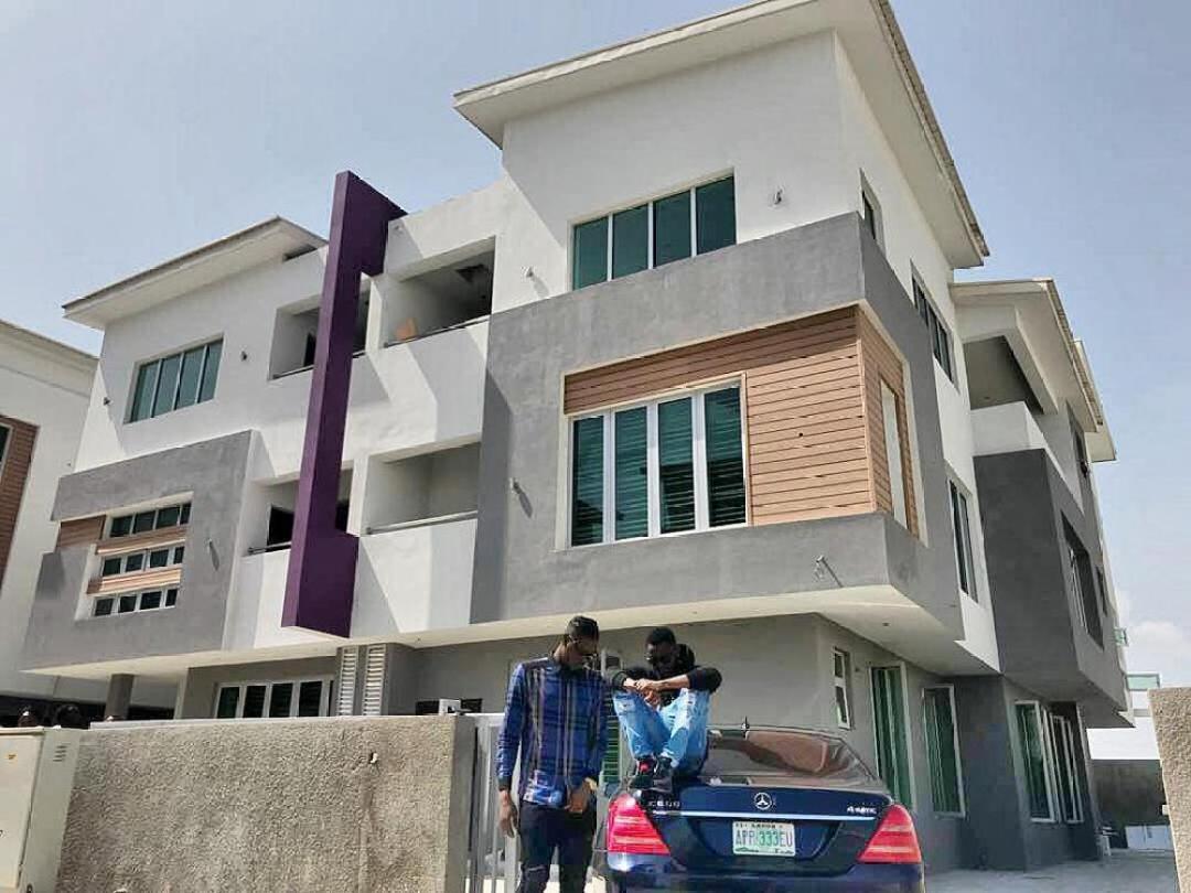 Kiss Daniel buys New House