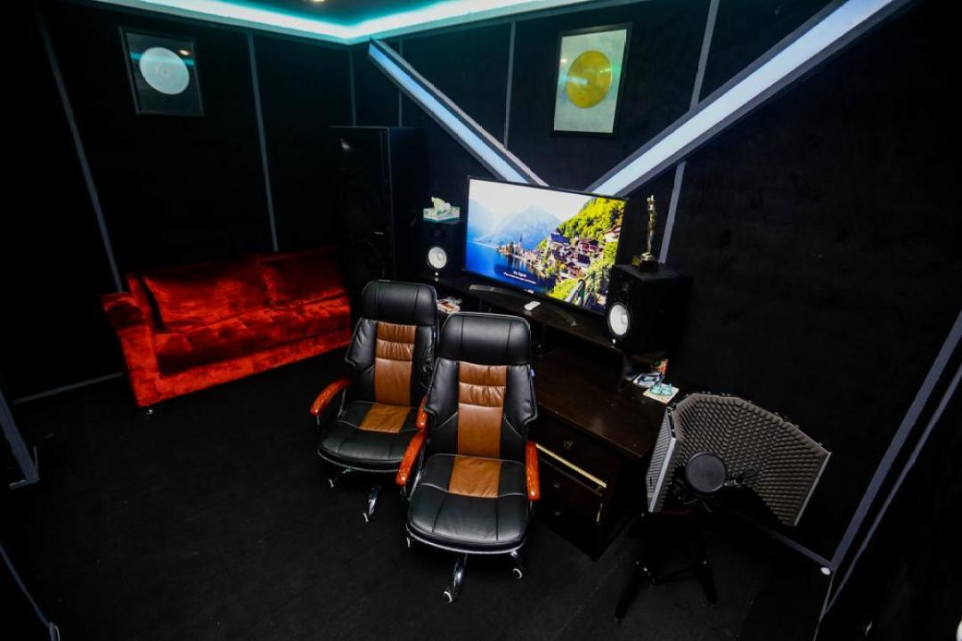 L.A.X. launches Rasaki Music Group HQ   Wizkid, M.I, Mut4y show support