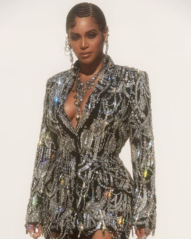 Beyoncé stuns in Alexander McQueen at The Lion King Premiere