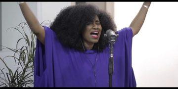 "Watch TY Bello's Spontaneous Worship ""Afe Ri O"""