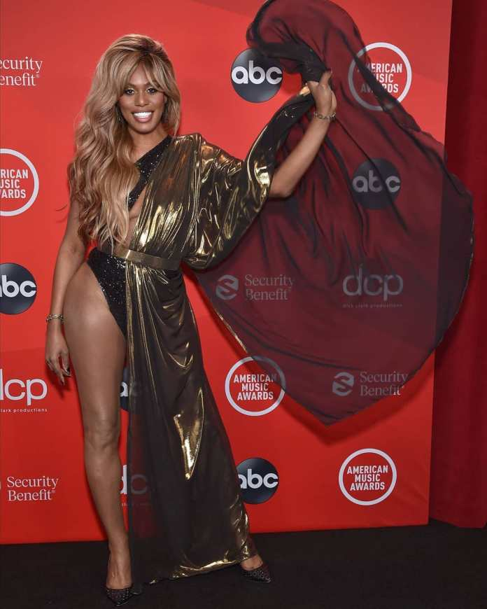 These Are Our Must-See Looks From The AMAs 3