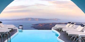 Enjoy the White Dreamy View of this #BNHoneymoonSpot in Santorini