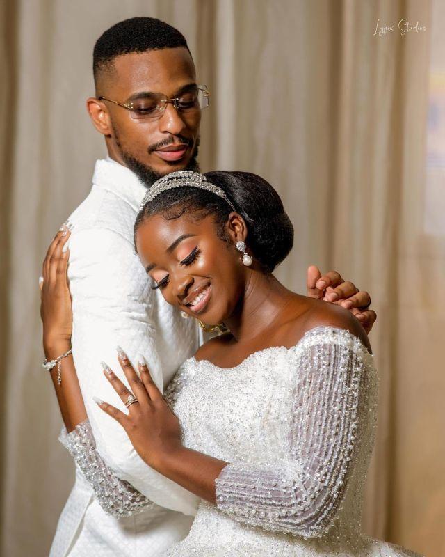 trending singing bride featured image
