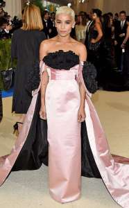 Zoë Kravitz in Oscar de la Renta, Tacori jewelry, and Christian Louboutin heels.
