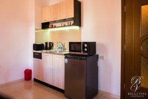 Луксозен апартамент под наем Благоевград с обзаведен кухненски бокс мила