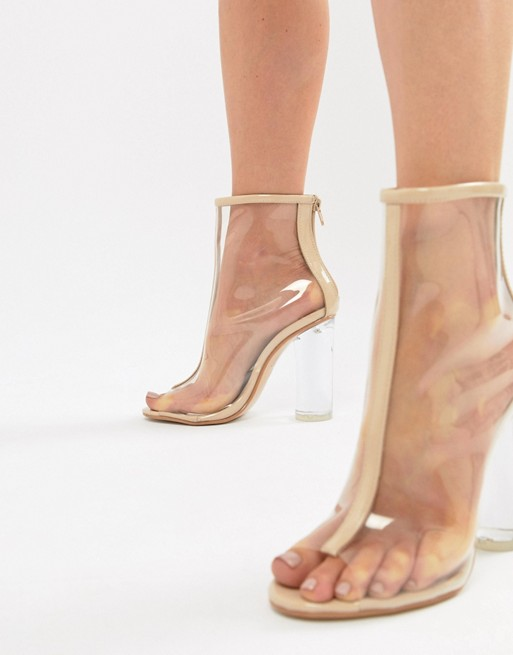 a12ae57c602 Celebrities Love Plastic Shoes Despite Health Risks - BellaVitaStyle