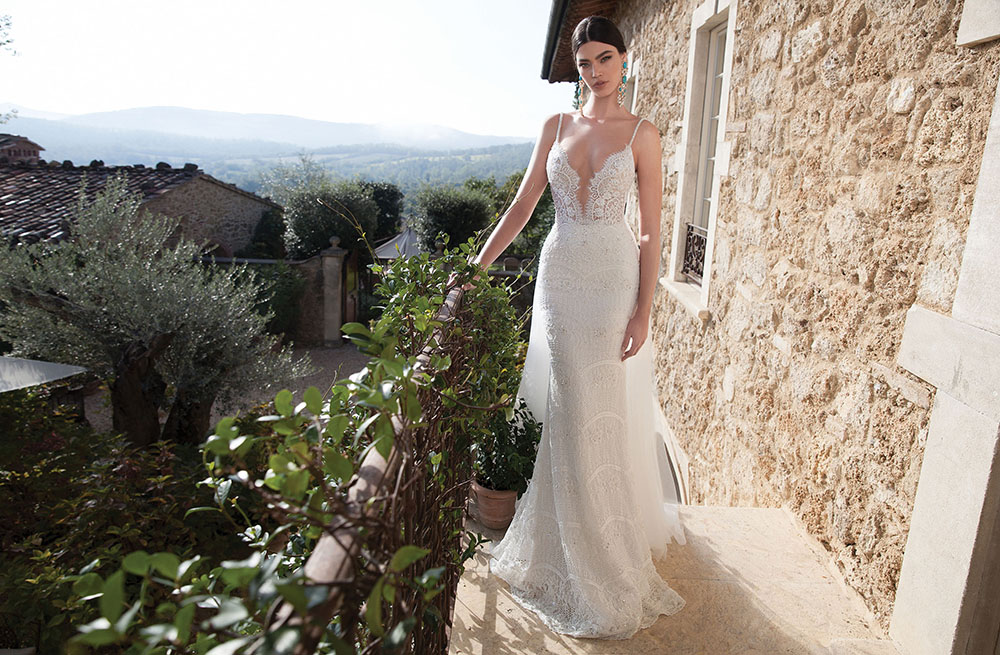 Why I Bought A Used Wedding Dress On Stillwhite Com Bellavitastyle