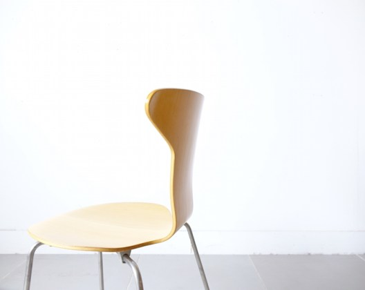 Mosquito chair (beech) by Arne Jacobsen