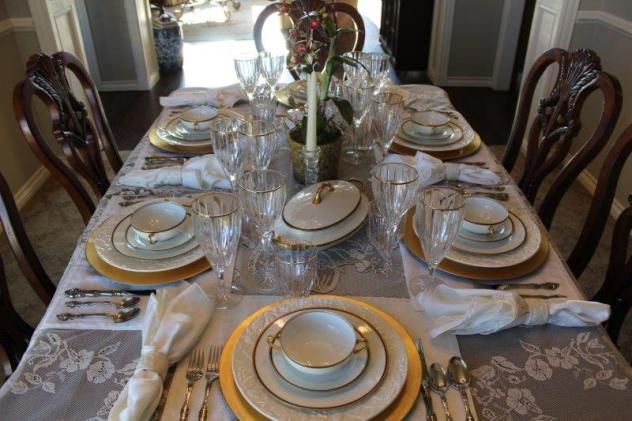 Belle Bleu Interiors Elegant Tablescape 3