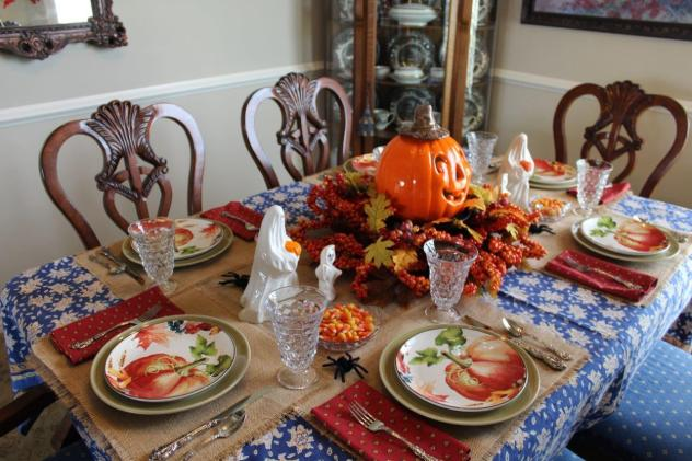 Belle Bleu Interiors-A Sweet and Spooky Halloween Table 9