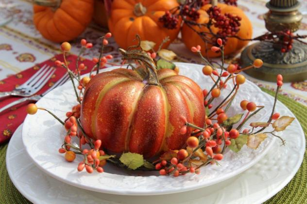 Belle Bleu Interiors Outdoor Fall Tablescape 12
