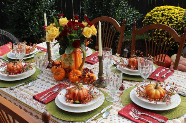 Belle Bleu Interiors Outdoor Fall Tablescape 14