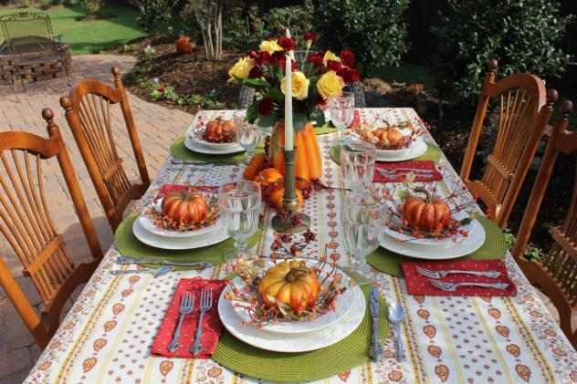 Belle Bleu Interiors Outdoor Fall Tablescape 3