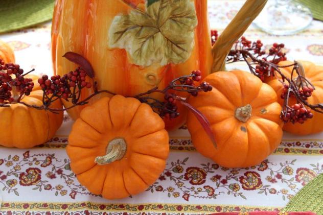 Belle Bleu Interiors Outdoor Fall Tablescape 6