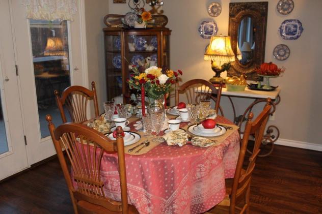 Belle Bleu Interiors Romantic Autumn Tablescape 7