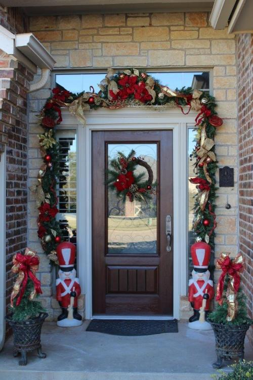 Belle Bleu Interiors Christmas Front Porch 5