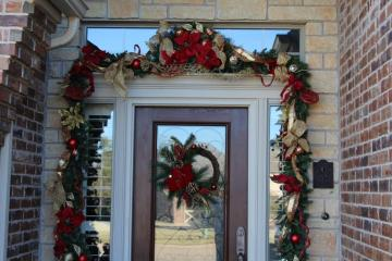 Belle Bleu Interiors Christmas Front Porch 7