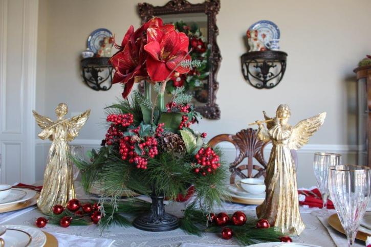 Belle Bleu Interiors Elegant Christmas Tablescape 3
